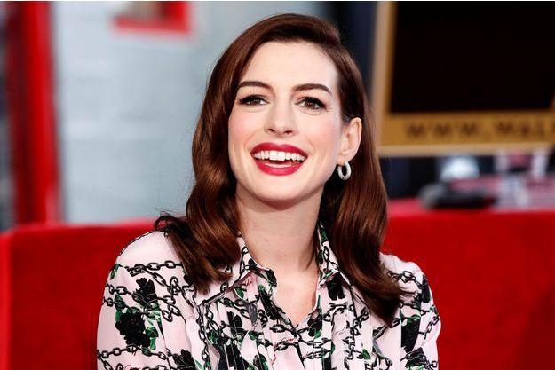 Anne Hathaway est enceinte et explique que ça n'a pas été facile