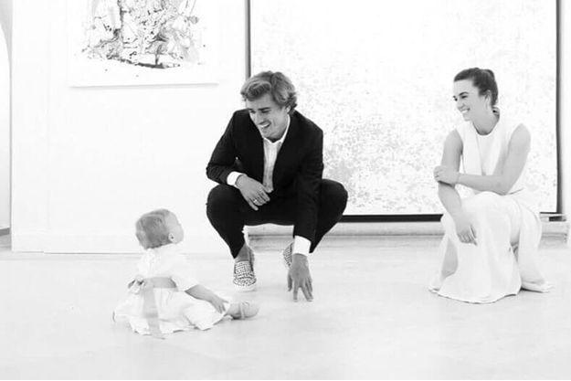 Antoine Griezmann, Erika Choperena, le jour du baptême de Mia.
