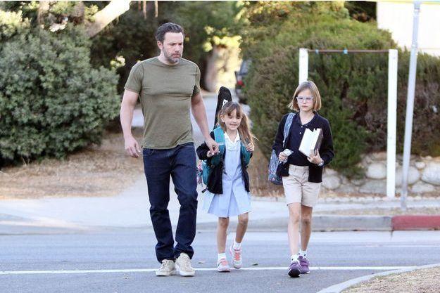 Ben Affleck avec ses deux filles, Violet et Seraphina.