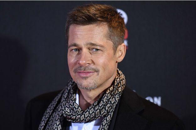 """Brad Pitt lors de l'avant-première à Madrid d'""""Alliés"""", le 22 novembre 2016."""