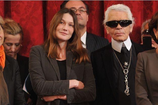 Carla Bruni-Sarkozy et Karl Lagerfeld au Palais de l'Elysée à Paris, le 14 mars 2012