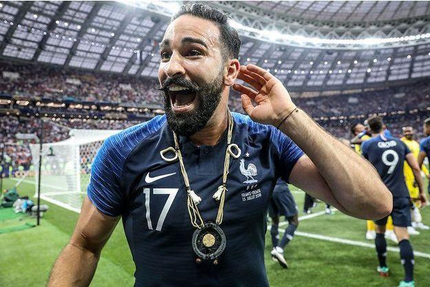 Adil Rami lors de la victoire de la France à la Coupe du monde, le 15 juillet 2018.