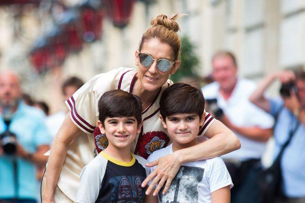 df6dec73d94bc Céline Dion   sa ligne de vêtements non genrés pour enfants