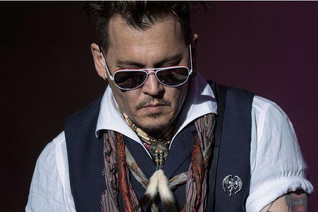 Johnny Depp en concert en Suède, le 30 mai 2016.
