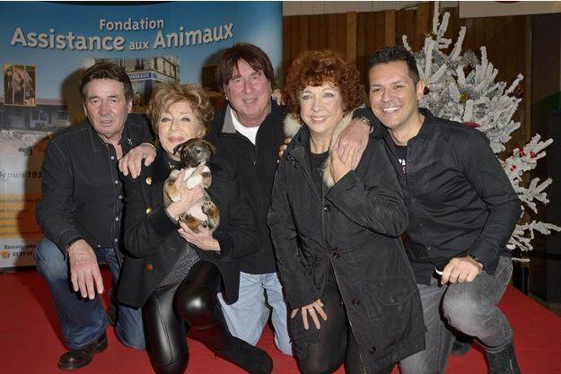 Marthe Mercadier soutenait la Fondation Assistance aux animaux pour la promotion de l'adoption, à l'occasion du Noël des animaux abandonnés 2012, à Paris.