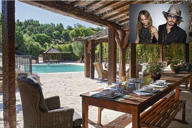 Johnny Depp a investi 10 millions de dollars pour transformer ce hameau provençal de 15 hectares en petit coin de paradis.