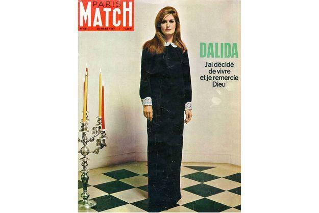 La couverture du numéro de Paris Match du 25 mars 1967.