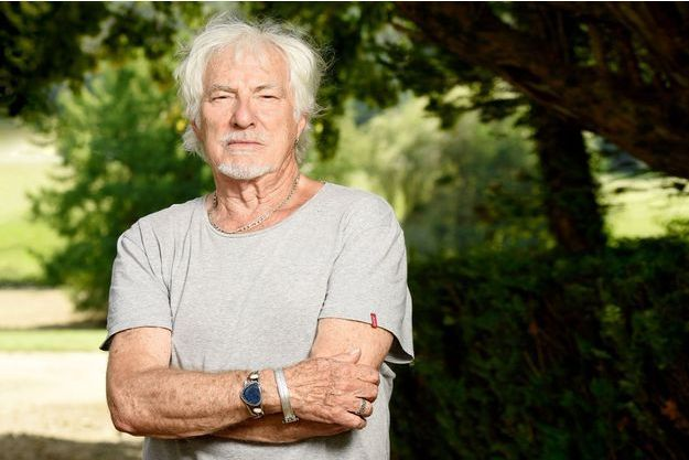 Hugues Aufray, 90 ans, livre les secrets de sa jeunesse éternelle