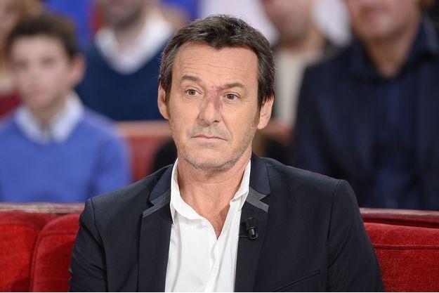 """Jean-Luc Reichmann sur le plateau de """"Vivement Dimanche"""" en octobre 2015."""