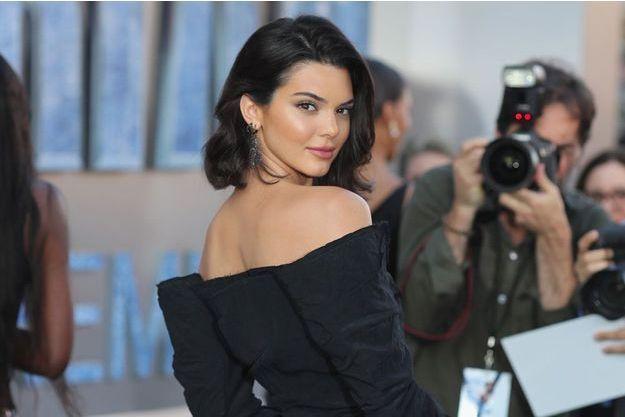 Kendall Jenner Entierement Nue Sur Instagram