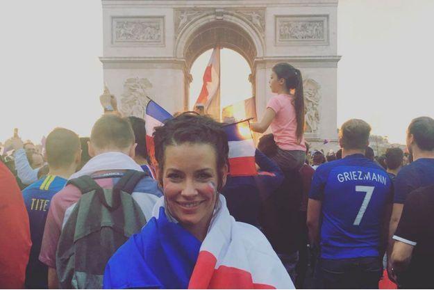 Evangeline Lilly sur les Champs-Élysées le 15 juillet 2018