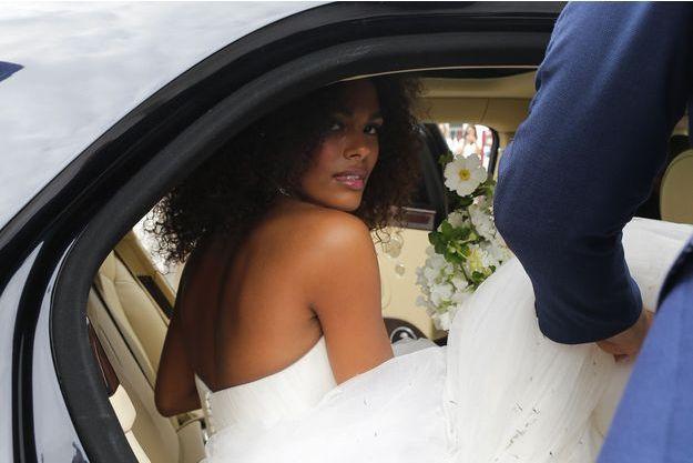 Tina Kunakey le jour de son mariage avec Vincent Cassel, à Bidart, vendredi 24 août 2018
