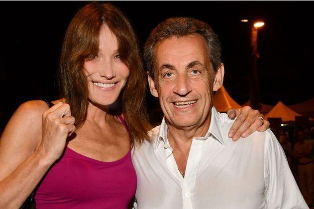 Carla Bruni et Nicolas Sarkozy à Juan-les-Pins le 17 juillet 2018.