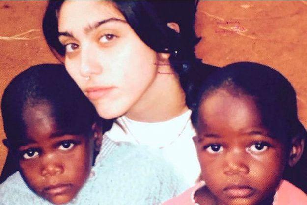 Lourdes, Stella et Esther