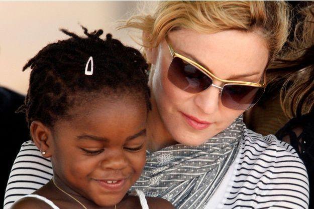 Madonna et sa fille Mercy James