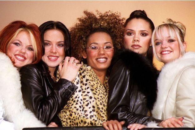 Geri, Mel C, Mel B, Victoria et Emma en décembre 1997