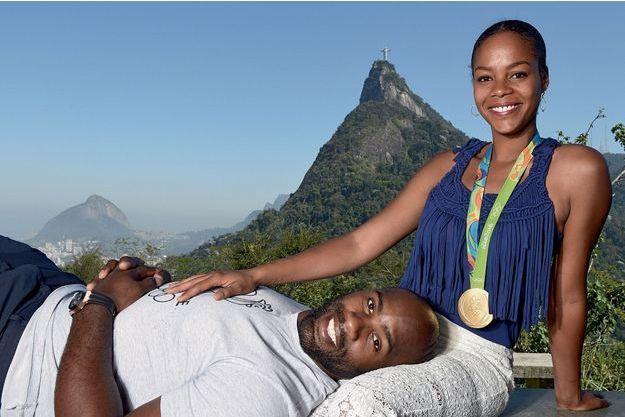 A terre, mais pas vaincu ! Sur les hauteurs de Rio, dimanche 14 août, Teddy a offert à Luthna le plus beau des bijoux.
