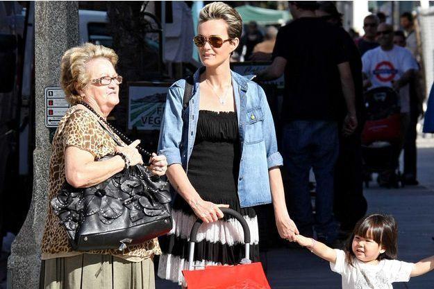 Elyette Boudou, Laeticia Hallyday et Jade, à Los Angeles en 2012.