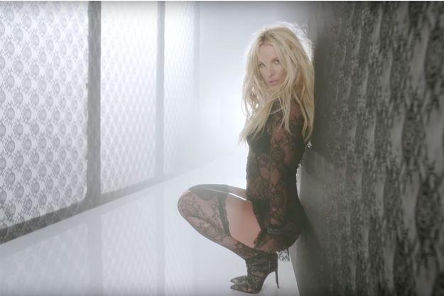 "Britney Spears sexy dans son dernier clip ""Make Me""."