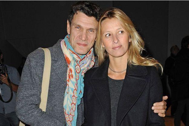 Marc et son épouse Sarah à la Fashion Week de Paris.