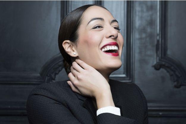 """Sofia Essaïdi chante dans le volume 2 de """"Forever Gentlemen""""."""
