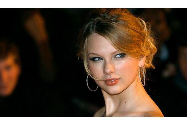 Taylor Swift plus belle que jamais lors de la cérémonie des Brit Awards 2009.