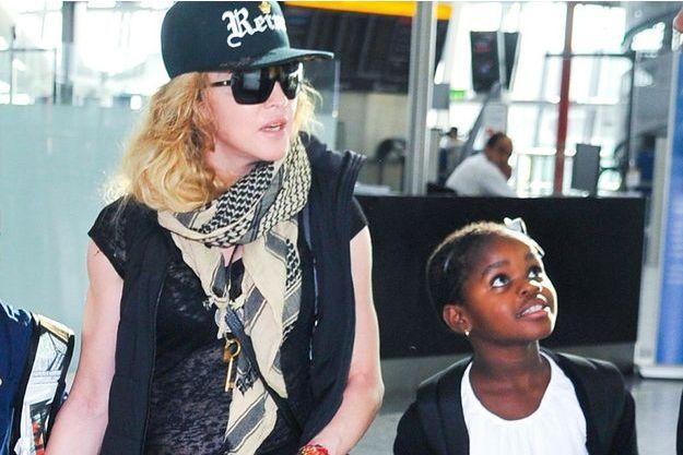 Madonna et Mercy à Londres, en 2013.