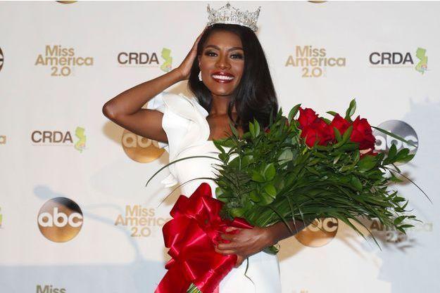 Nia Franklin après avoir été courronnée Miss America 2019