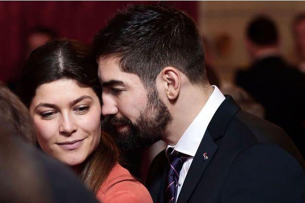 Nikola Karabatic et sa compagne Géraldine Pillet lors au palais de l'Elysée à Paris, le 30 janvier 2017