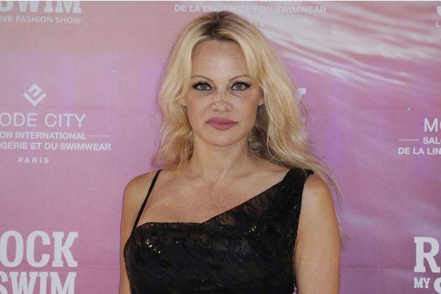 Pamela Anderson à Paris le 8 juillet 2017.