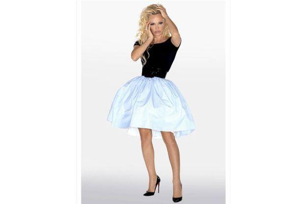 """Pamela Anderson sur sa photo officielle pour """"Danse avec les stars""""."""