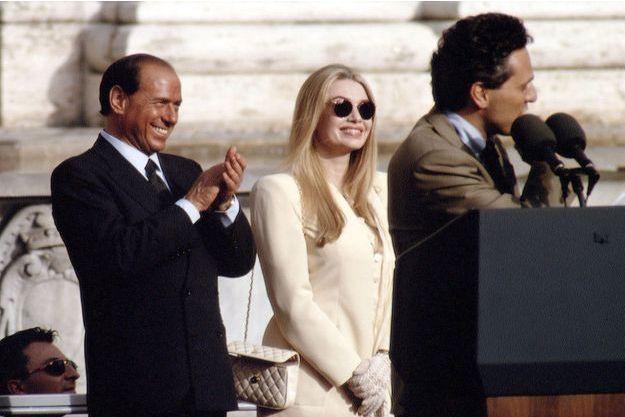 Veronica Lario et Silvio Berlusconi avec le maire de Rome, Francesco Rutelli, à l'époque des jours heureux, en 1994.