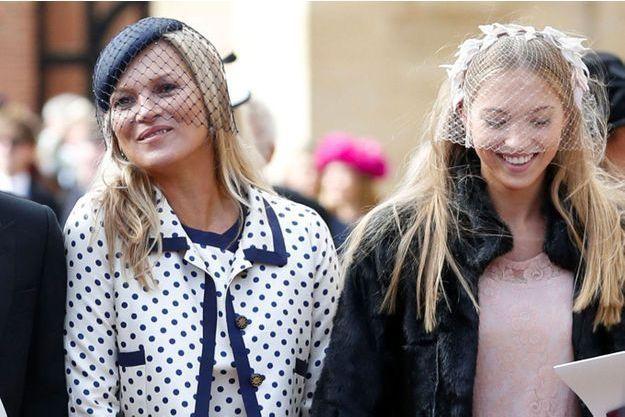 Kate Moss et sa fille Lila Grace quittent au mariage de la princesse Eugénie d'York le 12 octobre 2018