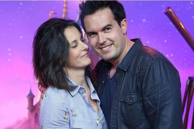 Faustine Bollaert et Maxime Chattam à Disneyland Paris, en 2016.