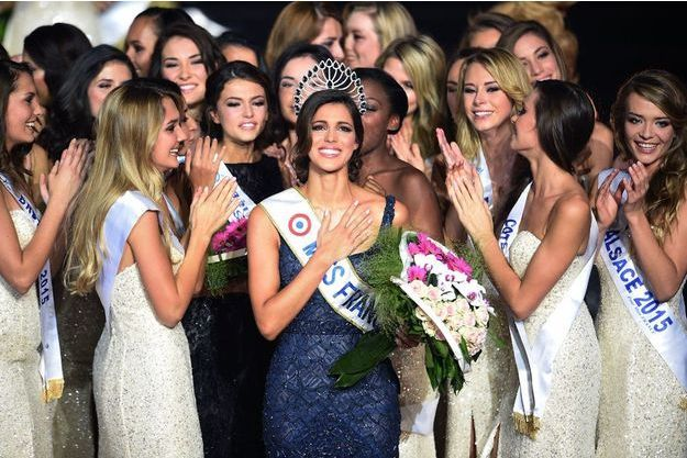 Iris Mittinaere a été élue au Zénith de Lille Miss France 2016.