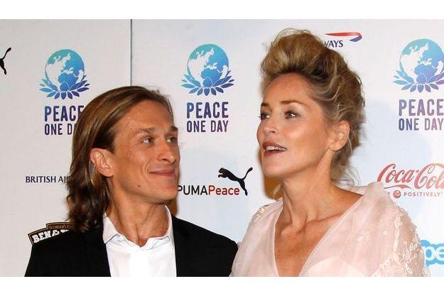 Sharon Stone aux côtés de Jeremy Gilley, fondateur de Peace One Day.
