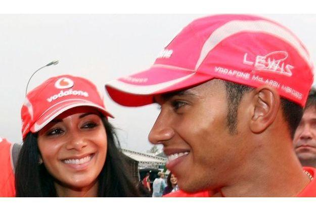 Lewis Hamilton et Nicole Scherzinger, après le Grand Prix de Sao Paulo en 2008 durant lequel Lewis a conquis le titre mondial de F1.