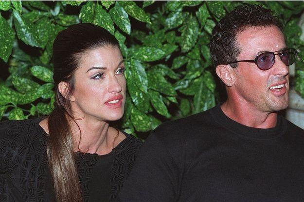 En 1994, Stallone découvre qu'il n'est pas le père de son bébé