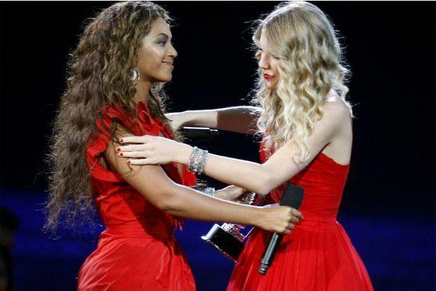Beyoncé et Taylor Swift en 2009.