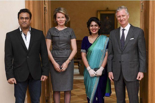 La reine Mathilde et le roi Philippe de Belgique avec Nidhi Chaphekar et son mari Rupesh à Bruxelles, le 20 mars 2017