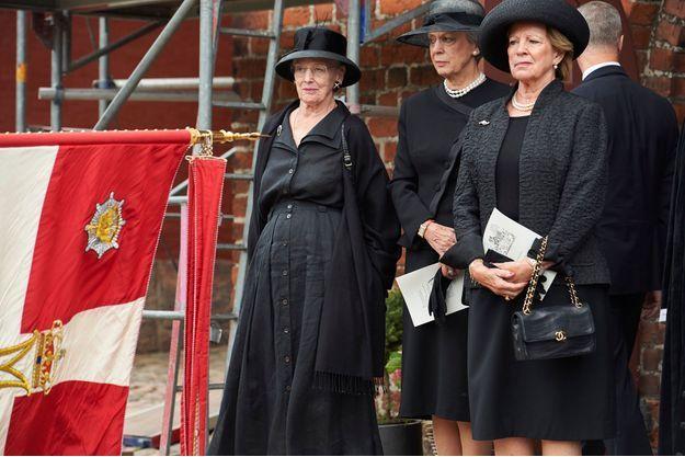 La reine Margrethe II de Danemark et ses soeurs, la princesse Benedikte de Danemark et l'ex-reine Anne-Marie de Grèce, à Lyngby le 25 juin 2018