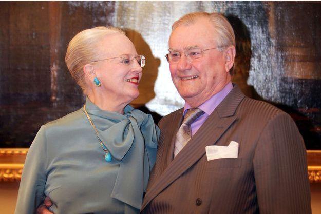 La reine Margrethe II de Danemark et son mari le prince Henrik, le 10 janvier 2012