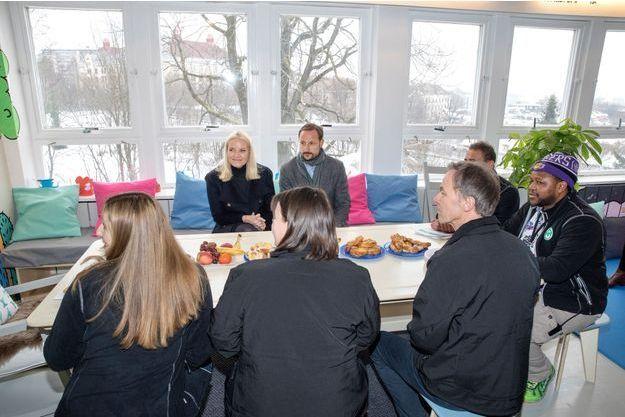rencontres service Oslo écrire des e-mails pour les sites de rencontre