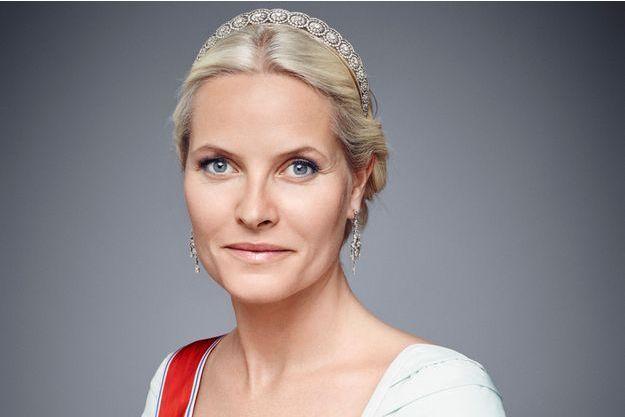 La princesse Mette-Marit de Norvège. Détail de l'un de ses portraits officiels de 2016