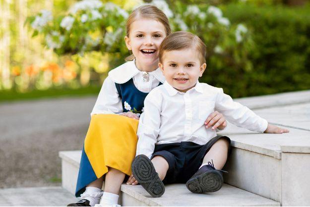 La princesse Estelle et le prince Oscar de Suède. Photo diffusée le 6 juin 2018