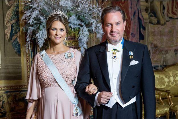 La princesse Madeleine de Suède, enceinte, et Christopher O'Neill à Stockholm, le 11 décembre 2018