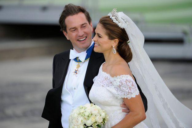 La Princesse Madeleine de Suède et Christopher O'Neill lors de leur mariage en juin dernier.