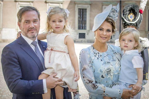 La princesse Madeleine de Suède et son mari Christopher O'Neill avec leurs deux enfants la princesse Leonore et le prince Nicolas, le 14 juillet 2017