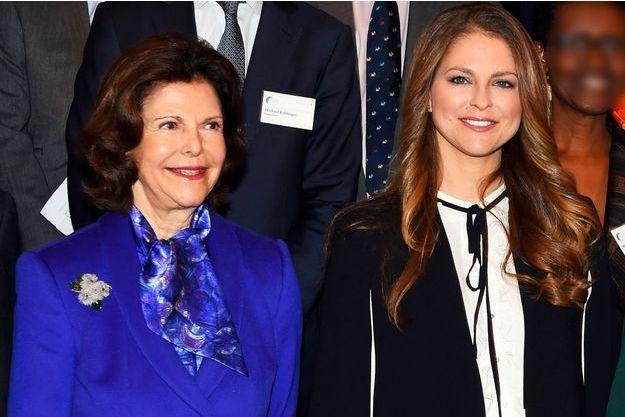 La reine Silvia de Suède et sa fille la princesse Madeleine à Stockholm, le 26 novembre 2015