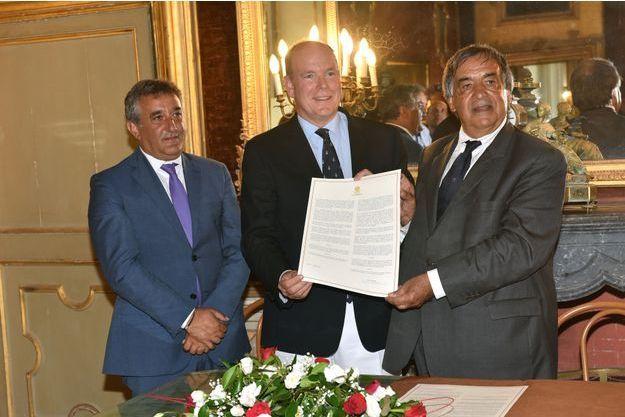 Le prince Albert II de Monaco à Palerme avec le maire Leoluca Orlando, le 21 août 2018